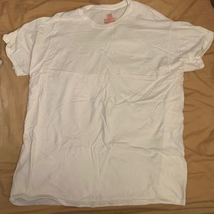 Pack of 4 plain white tees Hanes size XL
